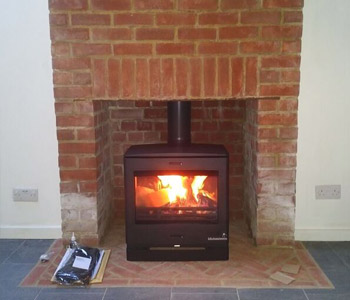 Yeoman CL8 Multifuel Stove - installed in Gomshall