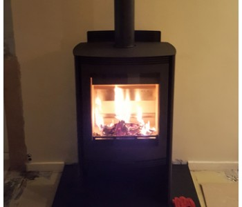Hunter Telford Inset Multifuel Stove - installed by our fitters near Reigate, Surrey.